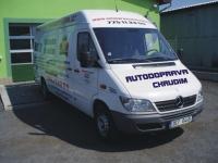 Mercedes určeno pro přepravu motorek a nákladu